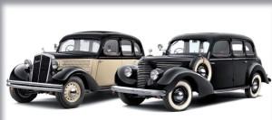 Návštevníci výstavy v ŠKODA Múzeu si môžu prezrieť nový Superb v spoločnosti svojich dvoch predchodcov: dvojfarebne lakovaného modelu ŠKODA Superb 640 z roku 1935 a čierneho Superbu 3000 OHV z roku 1939